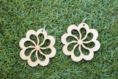 orecchini fiore in legno