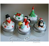 Barattolini con decorazione natalizia