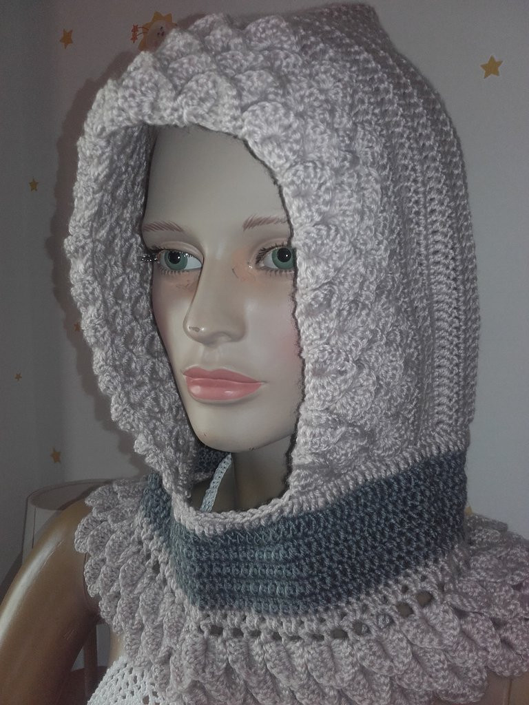 Cappuccio scaldacollo donna capello lana all uncinetto abbigliamento  invernale a6ba8bb3cf82