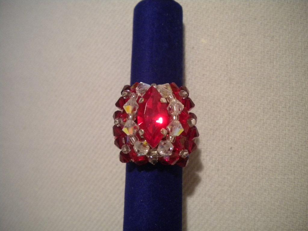 Anello cabochon rosso