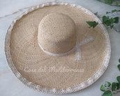 *Cappello di raffia con bordo macramè*