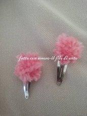 Coppia fermagli / fermacapelli con pom pom in lana rosa