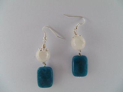 Orecchini con pietre agata bianco e blu