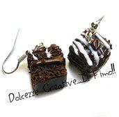 Orecchini Brownies al cioccolato - dolci glassati con caffè - in fimo e cernit - handmade, idea regalo