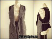 Gilet aperto in lana spigata e retro nero fatto a mano