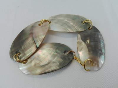 BRACCIALE IN MADREPERLA