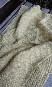 Copertina baby misto lana nuova fatta a mano giallo tenue crochet