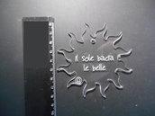 049- Ciondolo sole plexiglass trasparente con frase incisa