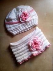 completo lana cappello e scalda collo bambina con fiori a uncinetto fatto a mano