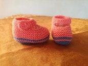 Scarpine bicolore con bottone per neonata