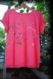 T-shirt bird  nature volatili fantasia dipinta a mano