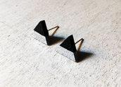 Orecchini Triangoli nero e argento, orecchini a lobo, orecchini in legno, orecchini geometrici, orecchini minimalisti, orecchini astratti