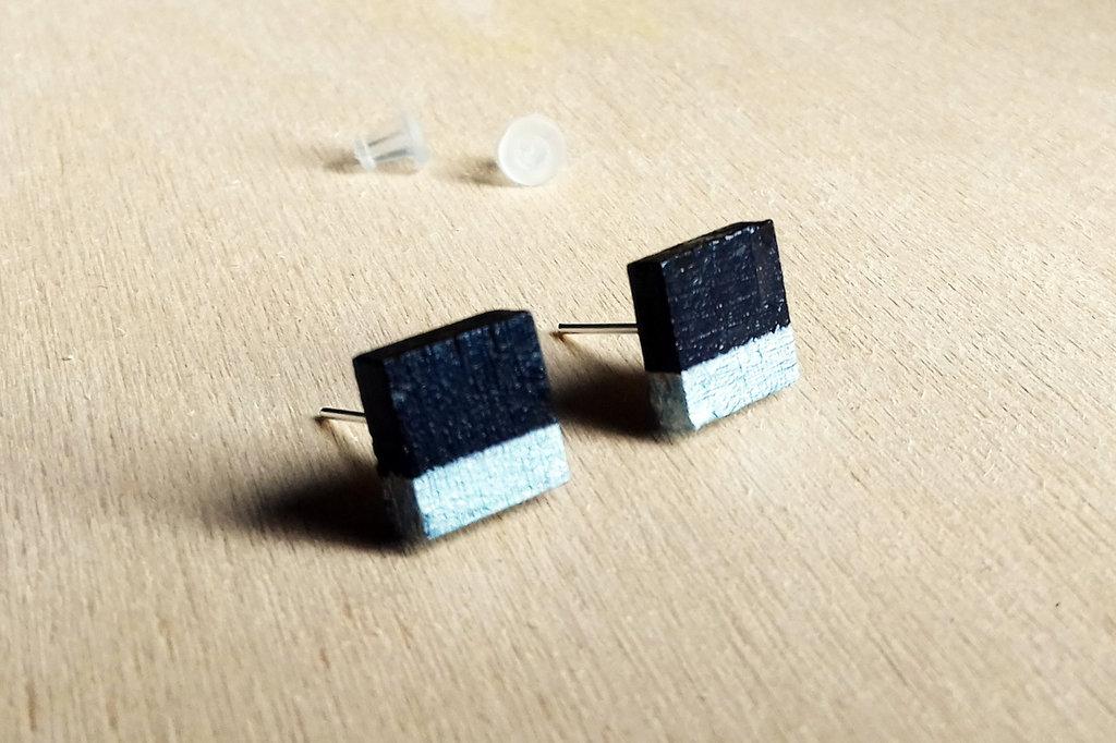 Orecchini quadratino nero e argento, orecchini a lobo, orecchini in legno, orecchini geometrici, orecchini minimalisti, orecchini astratti