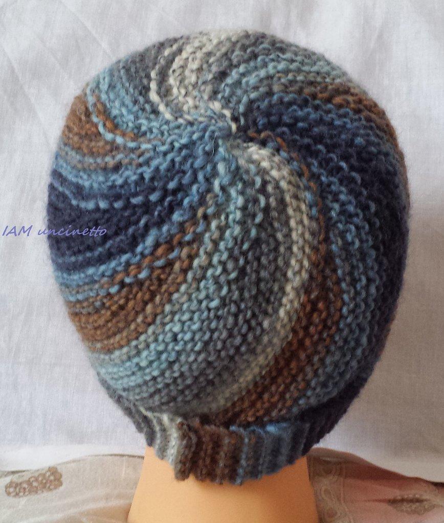 Berretto Vertigo in lana sfumata blu e marrone ai ferri