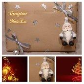 Pallina natalizia decorata con babbo natale in pasta di mais