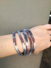 Bracciale multicolore, bracciale blu, bracciale multigiri ad uncinetto,  Bracciale con bottone di legno , regalo per lei, bracciale di lana