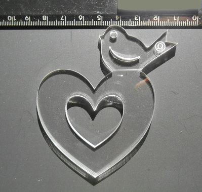 (131) ciondolo cuore e uccellino grande in plexiglass trasparente