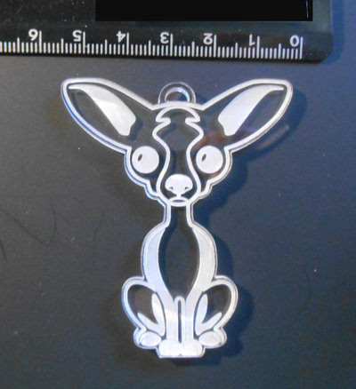 (163) Ciondolo Chihuahua satinato in plexiglass trasparente