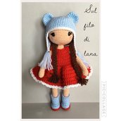 Doll Lina con cappello-bambola amigurumi -bambola imbottita