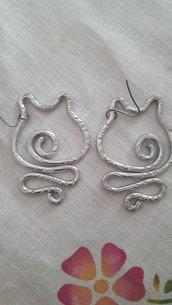 Orecchini gatto 3 in alluminio battuto con monachella in acciaio