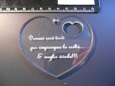 (170) ciondolo cuore con incisione in plexiglass trasparente