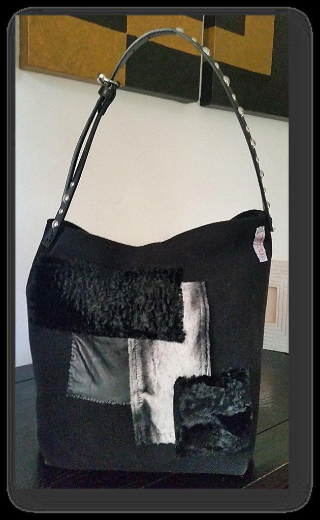 """borsa """"Tote Bag"""" con applicazione pelliccia e pelle sintetica"""