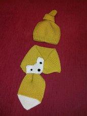 Completino cappellino con nodo + sciarpina bicolore con musetto