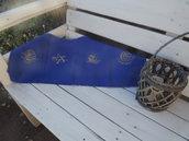 Runner decorativo blu ricamato a mano con tema estivo o marino