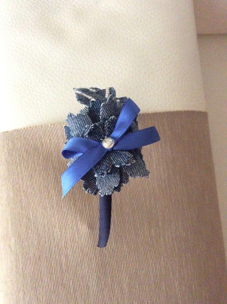 elegante nello stile Sconto del 60% tessuti pregiati Cerchietto per capelli con fiore jeans