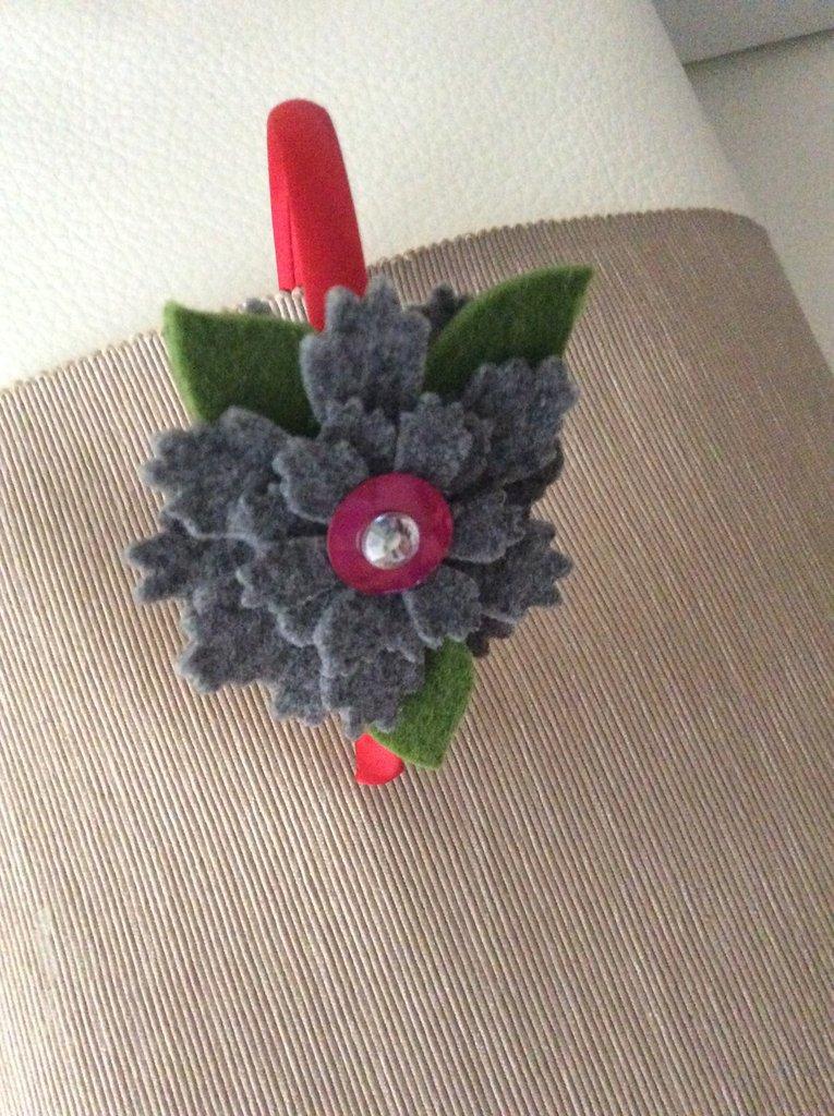 Cerchietto per capelli con fiore - Donna - Accessori - di ...