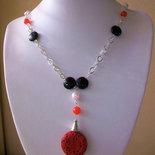 Collana lunga con Onice, Perle barocche e cammeo di Lacca rossa, 82 cm