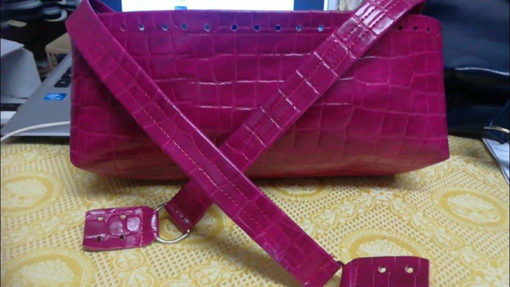 fondo vaschetta per borse con manici lunghi