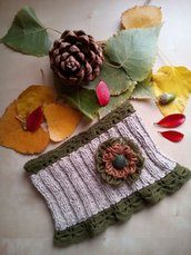 scaldacollo lana ai ferri donna con fiore e bordi pizzo a uncinetto colore beige verde oliva tortora - collo in lana