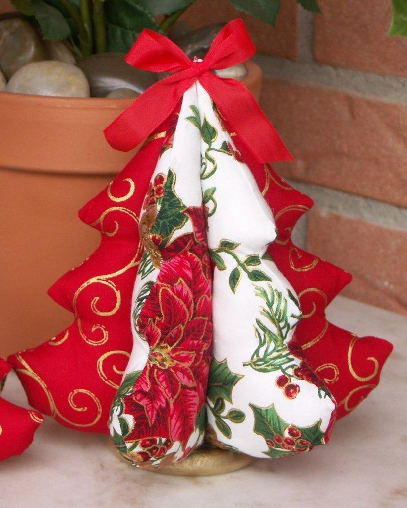 Alberi natalizi di stoffa