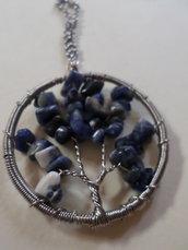 collana ciondolo pendente con pietre preziose di lapislazzuli