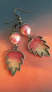 Idea regalo Natale per lei Orecchini in resina foglie glitter, rosso arancione giallo, handmade, vintage, etnici, regalo compleanno