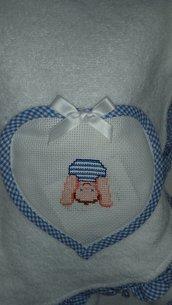 accappatoio azzurro per neonato