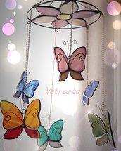Acchiappasogni con farfalle variopinte realizzato in vetro